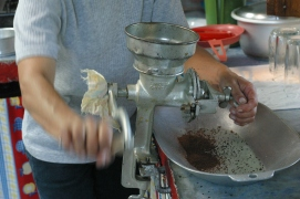 Grinding coffee by hand